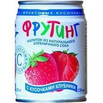 Напиток Fruiting из натурального клубничного сока с кусочками клубники