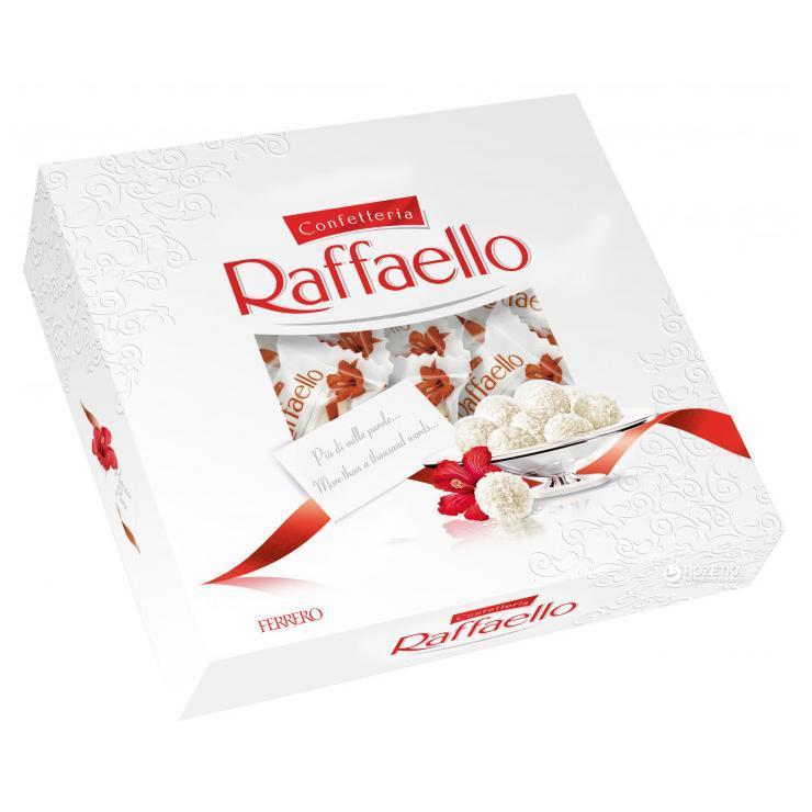 Конфеты Ferrero Raffaello с цельным миндальным орехом в кокосовой обсыпке