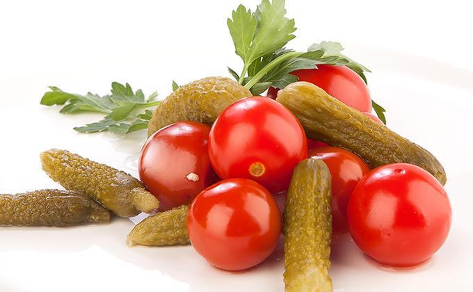 Овощные консервы Золотая Осень Ассорти томаты и огурцы