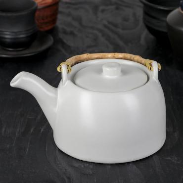 Чайник заварочный Доляна Шифу 500 мл. с металлическим ситом белый