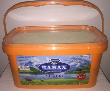 Сыр Своя ферма Чанах в ведре рассольный