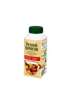 Йогурт питьевой с клубникой и ревенем 2,5%, Резной Палисад, 330 мл., ПЭТ