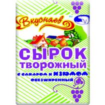 Сырок творожный с сахаром и изюмом, обезжиренный, Вкусняев, 100 гр., Бумажная упаковка