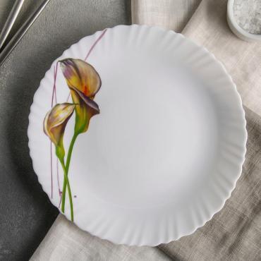 Тарелка обеденная Доляна Дивные каллы 23 см. стеклокерамика