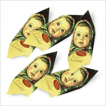 Конфеты Красный Октябрь Аленка глазированные с начинкой между слоями вафель 5000 гр