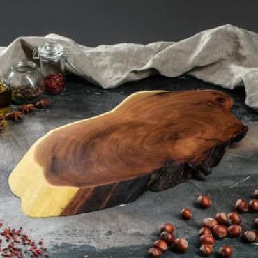 Доска сервировочная Доброе дерево Спил оливы 20-25х40-45 см. из массива авторская