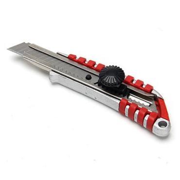 Нож Falco Master металлический усиленный с сегментированным лезвием 18мм