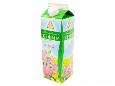 Кефир 2,5%, Пискаревский молочный завод, 1 кг., тетра-пак
